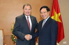 范平明副总理会见美国犹他州州长加里·赫伯特