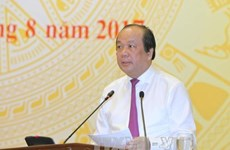 越南政府8月份例行记者会:举全系统之力实现经济增长6.7%的目标
