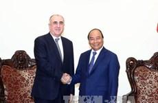 政府总理阮春福会见阿塞拜疆外交部长马梅德亚罗夫