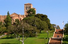 加强胡志明市国家大学与美国加州大学洛杉矶分校的合作