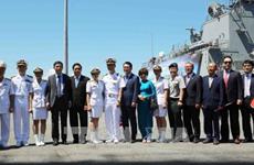 韩国两艘海军舰艇访问岘港市