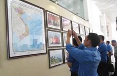 """""""越南的黄沙和长沙——历史证据和法律依据""""图片资料展在老街省举行"""
