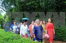 越南国会副主席汪周刘会见旅泰越南老教师代表团