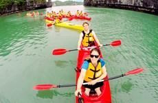 营造文明旅游服务环境 吸引更多游客赴下龙湾参观