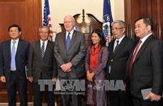 越南国防部副部长阮志咏上将对2017年越美国防政策对话给予积极评价