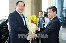 老挝政府副总理宋赛•西潘敦访问平阳省