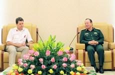 越南与英国加强防务合作