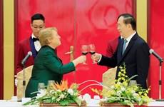 陈大光主席为智利总统米歇尔·巴切莱特·赫里亚举行欢迎国宴