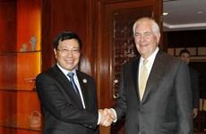 2017年APEC会议:越南政府副总理兼外长范平明会见美国国务卿蒂勒森