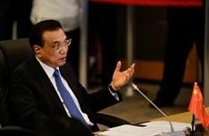 ASEAN+3领导强调经济合作的重要性