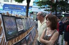 """""""越南遗产""""摄影比赛中百幅优秀图片展在河内亮相"""