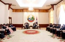 老挝总理高度评价越南之声广播电台的大力支持与有效帮助