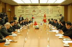 政府常务副总理张和平访问韩国: 加强越韩立法交流