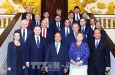 越南政府总理阮春福会见波兰总统杜达
