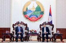 老挝总理通伦·西苏里会见越南司法部代表团