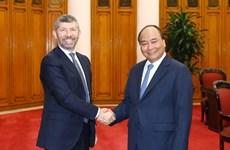 越南政府总理阮春福会见意大利经济发展部副部长