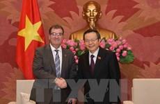 越南国会副主席冯国显会见加拿大联邦议会众议院