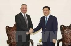 越南政府副总理王廷惠会见欧洲议会国际贸易委员会副主席