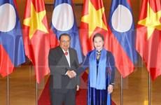 国会主席阮氏金银会见老挝人民革命党中央委员会总书记、国家主席本扬