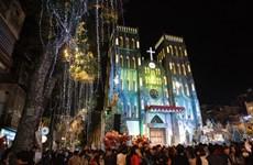 圣诞节前造访河内一些教堂