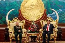 老挝领导人高度评价越南援老志愿军和军事专家的巨大贡献