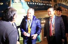 河内市和胡志明市迎来2018年第一名国际游客