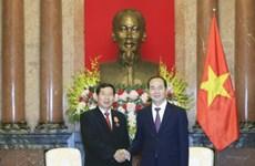 越南国家主席陈大光会见老挝最高人民法院院长坎潘·西提丹帕