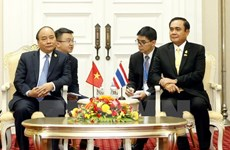 越南政府总理阮春福会见泰国总理巴育