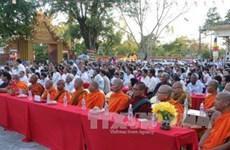 茶荣省为高棉南宗佛教僧侣进行民族和宗教政策与法律知识培训