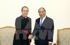 梵蒂冈圣座国务院副秘书长卡米莱里访问越南