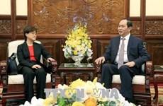 国家主席陈大光会见新加坡和埃及驻越大使