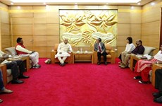 进一步加大与印度的民间外交力度