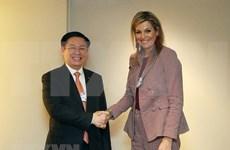 王廷惠在第48届世界经济论坛年会开展系列会见活动