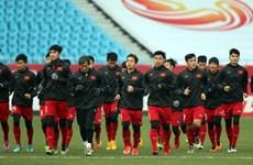 越南政府总理向越南U23足球队颁发奖状