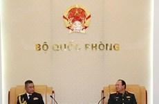 越南人民军副总参谋长范玉明会见泰国皇家海军司令