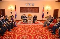 柬埔寨领导人高度评价胡志明市与金边市之间的关系
