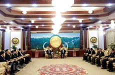 老挝领导高度评价越南公安部与老挝公安部之间的合作成果