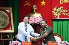 越柬两国增强地方间的团结和友谊
