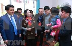 首都河内公民纷纷参加2018年团聚春节活动