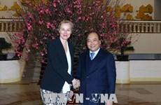 越南政府总理阮春福会见荷兰外贸发展合作大臣西格里德·卡格