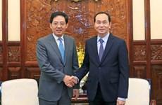 陈大光主席会见前来辞行拜会的中国驻越大使洪小勇