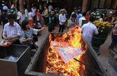 建议取消在佛教祭拜地烧纸钱和纸扎祭品的习俗