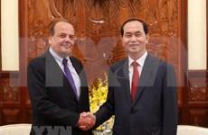 国家主席陈大光会见智利驻越大使克劳迪奥·德·内格里