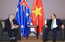 越南政府总理阮春福会见澳大利亚-越南友好协会主席金桑普森