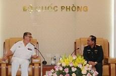 越南人民军总参谋部和总政治局领导会见国际客人