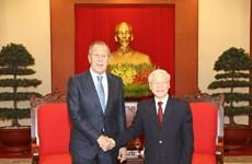 越共中央总书记阮富仲会见俄罗斯联邦外交部部长谢尔盖