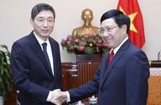 越南政府副总理兼外长范平明会见韩国驻越大使李赫