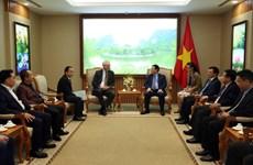越南政府副总理王廷惠:塔兰克斯集团扩大在越南投资规模符合于越南金融体系结构重组的主张