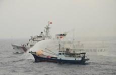 越中海警举行北部湾共同渔区海上搜救演练活动