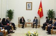越南政府副总理武德儋会见亚太信息通讯科技联盟组织代表团